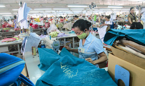 Vietnam textile and garment competitive pressure from neighboring countries